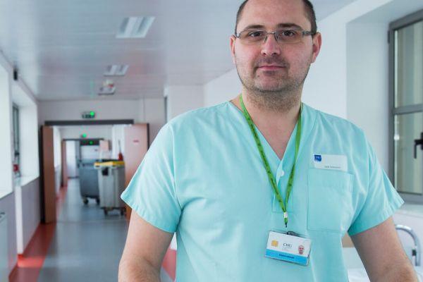 Compétences et qualités nécessaires au métier de brancardier hospitalier