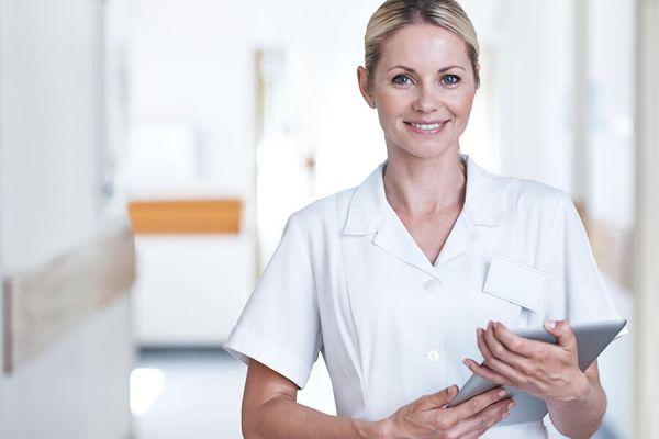 Comment devenir infirmière en pratique avancée (IPA) à l'hôpital